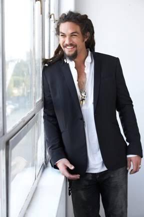 L'attore hawaiano Jason Momoa in una foto