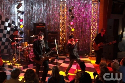 One Tree Hill: I Cheap Trick ospiti dell'episodio Don't You Forget About Me