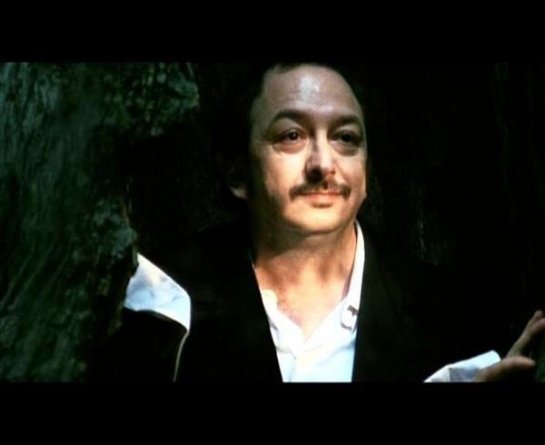 Orfeo Orlando in una scena de Il Posto vuoto di Paolo Gaudio