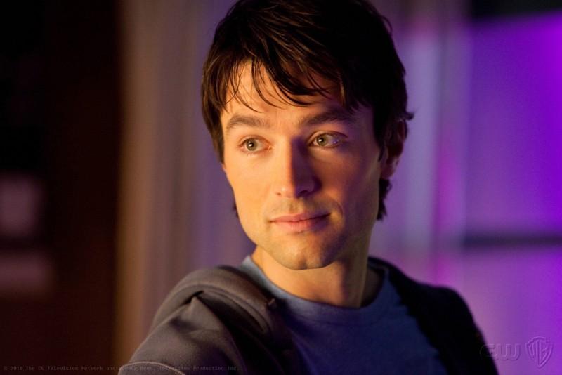 Un primo piano di Carlo Marks nel ruolo di Stephen nell'episodio Warrior di Smallville
