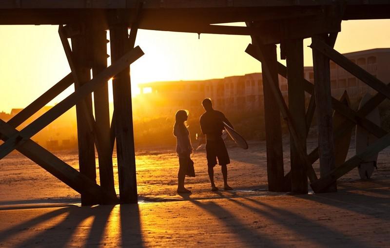 Al tramonto sotto il pontile Amanda Seyfried e Channing Tatum nel film Dear John