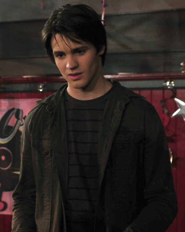 Jeremy (Steven R. McQueen) al ballo della scuola nell'episodio Unpleasantville