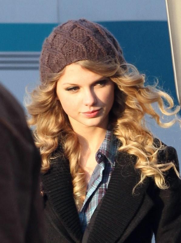 La giovane Taylor Swift sul set di Appuntamento con l'amore
