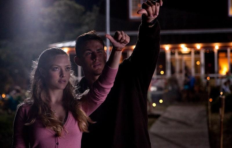 Una sequenza del fim Dear John con i due protagonisti: Amanda Seyfried (Savannah) e Channing Tatum (John)