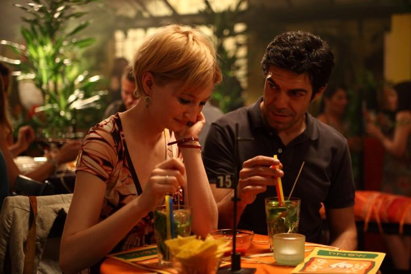 Alba Rohrwacher e Pierfrancesco Favino in una scena del film Cosa voglio di più