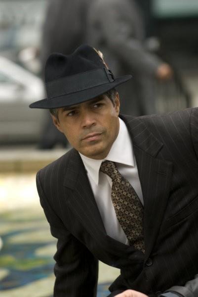 Esai Morales nel pilot della serie 'Caprica'