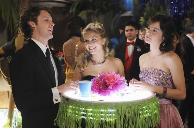 Make it or Break it: Chelsea Hobbs, Cassie Scerbo e Zachary Abel nell'episodio Save the Last Dance
