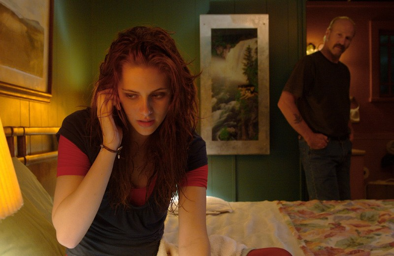 Martine (Kristen Stewart) e Brett Hanson (William Hurt) nel film The Yellow Handkerchief