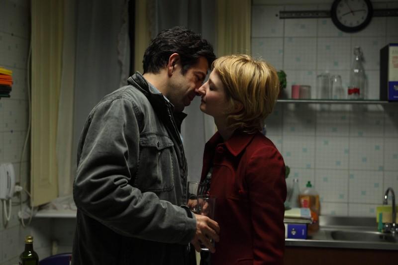 Pierfrancesco Favino e Alba Rohrwacher in una scena del film Cosa voglio di più diretto da Silvio Soldini