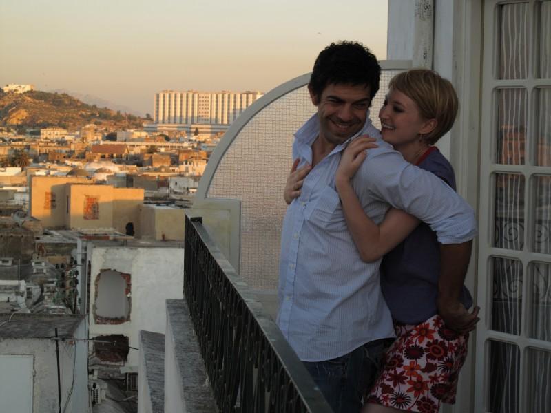 Pierfrancesco Favino e Alba Rohrwacher in una scena romantica del film Cosa voglio di più diretto da Silvio Soldini