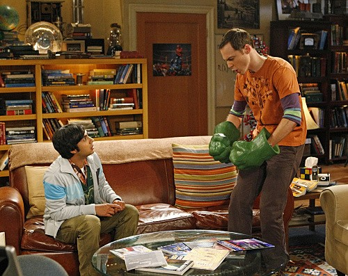 The Big Bang Theory: Jim Parsons e Kunal Nayyar nell'episodio The Psychic Vortex