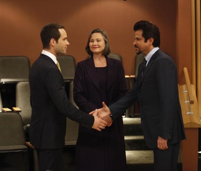 Cherry Jones, Anil Kapoor e Chris Diamantopoulos nella premiere del Day 8 di 24