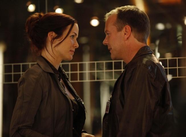 Kiefer Sutherland ed Annie Wersching in una scena dell'episodio Day 8: 7:00 p.m.-8:00 p.m. di 24