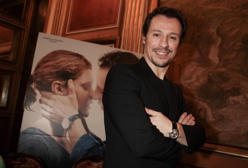 Roma, gennaio 2010: Stefano Accorsi presenta Baciami Ancora. L'attore indossa un orologio Jaeger-leCoultre Master Reserve de Marche.