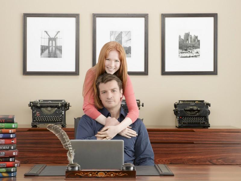 Castle: Nathan Fillion e Molly C. Quinn in una foto promozionale della stagione 2