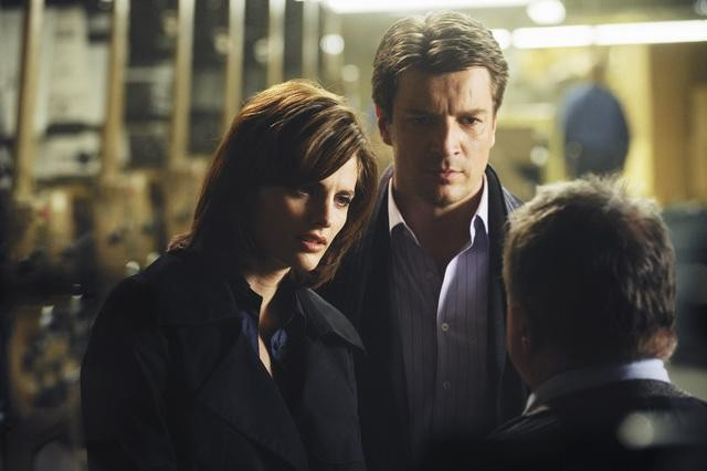 Castle: Nathan Fillion e Stana Katic in un momento dell'episodio The Third Man