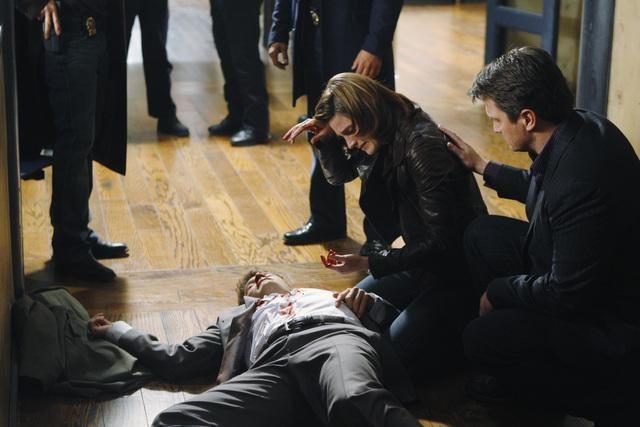 Castle: Nathan Fillion e Stana Katic nell'episodio Sucker Punch