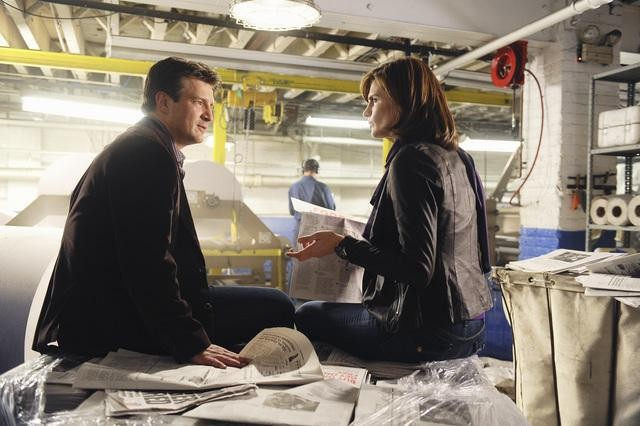 Castle: Nathan Fillion e Stana Katic nell'episodio The Third Man