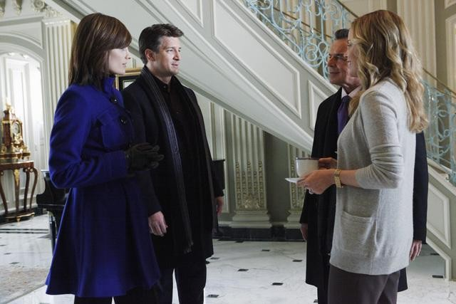 Castle: Stana Katic, Nathan Fillion, Chandra West e Ray Wise nell'episodio Suicide Squeeze