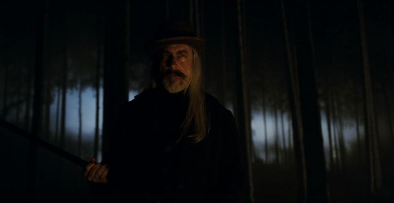 David Sterne in una scena del film The Wolf Man