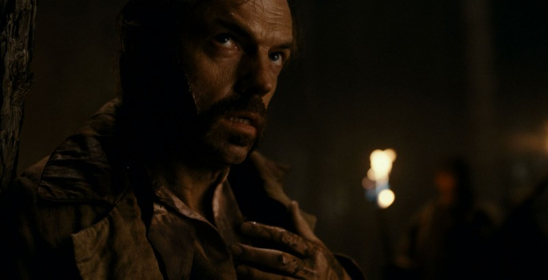 Hugo Weaving in un'immagine del film The Wolf Man