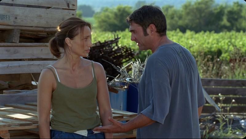 Kristin Scott Thomas e Sergi López in una sequenza de L'amante inglese