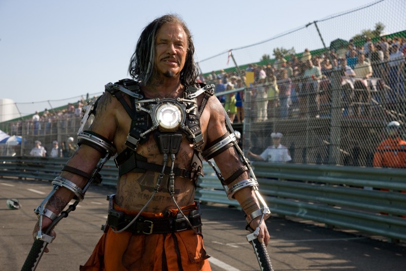 Mickey Rourke in una scena del film Iron Man 2