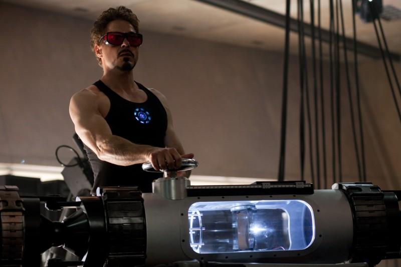 Robert Downey Jr. è il milionario Stark in Iron Man 2