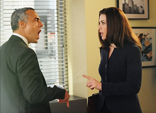 The Good Wife: Julianna Margulies e Titus Welliver nell'episodio Infamy
