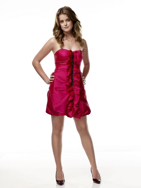 Ashley Newbrough (Sage Baker) in una foto promo per la prima stagione di Privileged