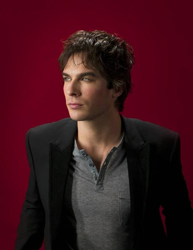Ian Somerhalder è Damon in una foto promo della nuova, vampiresca serie CW: The Vampire Diaries