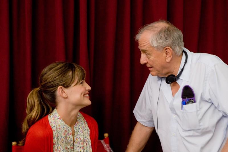 Jennifer Garner e Garry Marshall sul set del film Appuntamento con l'amore
