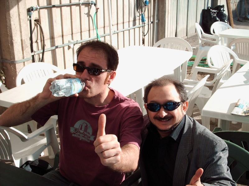 Orfeo Orlando e Valerio Mastandrea durante una pausa di Buttafuori