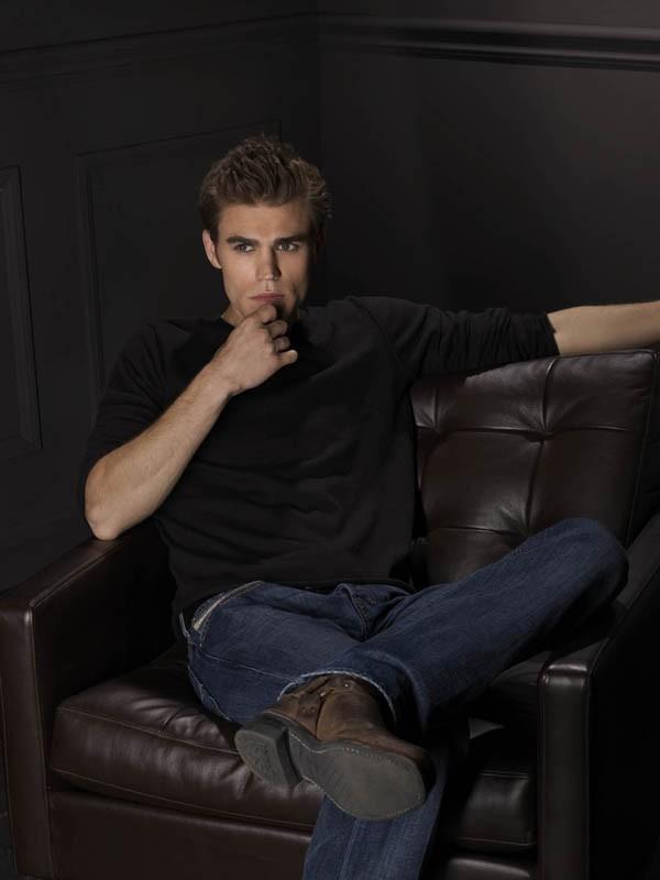 Paul Wesley nel ruolo di Stefan in una foto della prima stagione di The Vampire Diaries