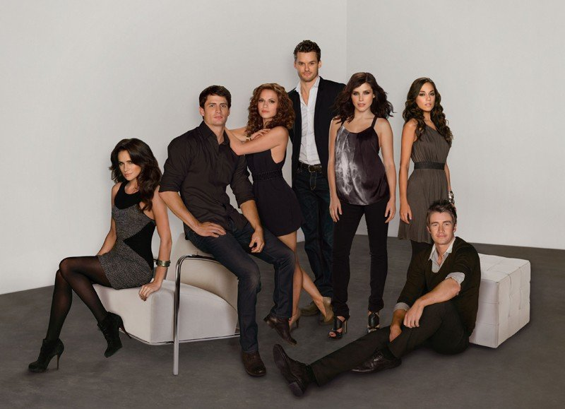 Una foto di gruppo per la stagione 7 di One Tree Hill