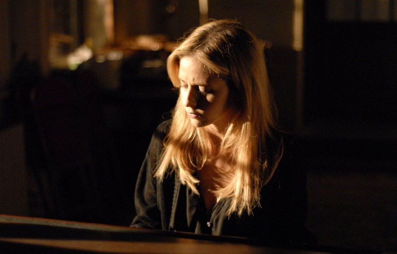 Sarah Michelle Gellar (Veronika) suona il piano in una sequenza del film Veronika Decides to Die