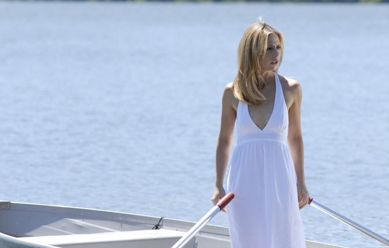 Una scena del film Veronika Decides to Die con la protagonista Veronika (Sarah Michelle Gellar)