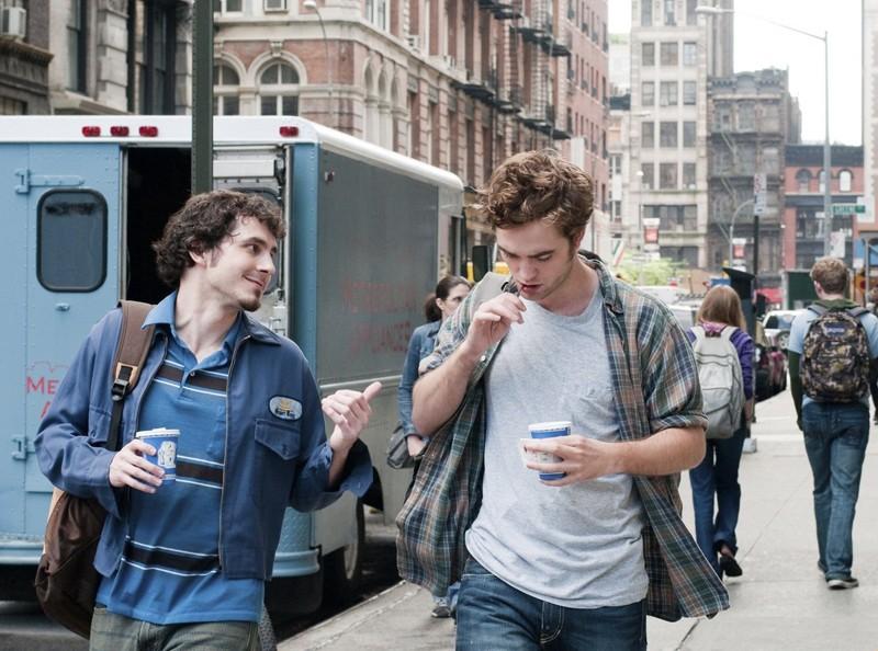 Aidan (Tate Ellington) e Tyler (Robert Pattinson) in Remember Me