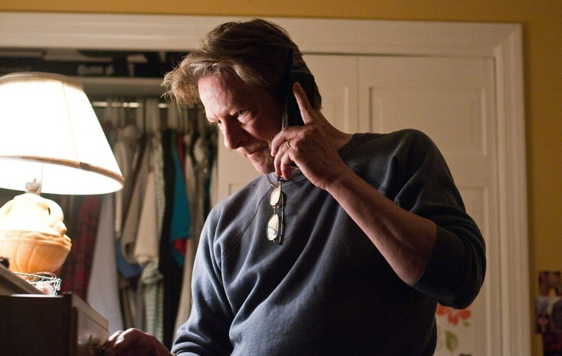 Il padre di Ally (Chris Cooper) in una scena del film Remember Me