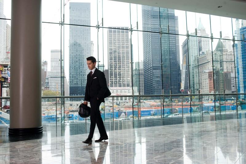 Shia LaBeouf (Jacob Moore) in una scena del film Wall Street 2: Money Never Sleeps