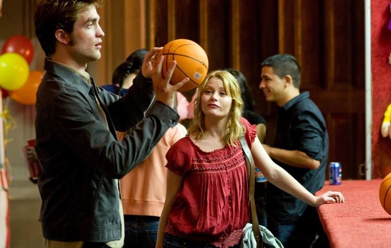 Una sequenza del film Remember Me con Robert Pattinson ed Emilie de Ravin