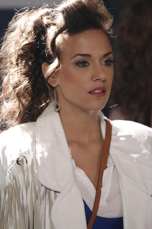 Alex (Jana Kramer) in un momento dell'episodio Don't You Forget About Me di One Tree Hill