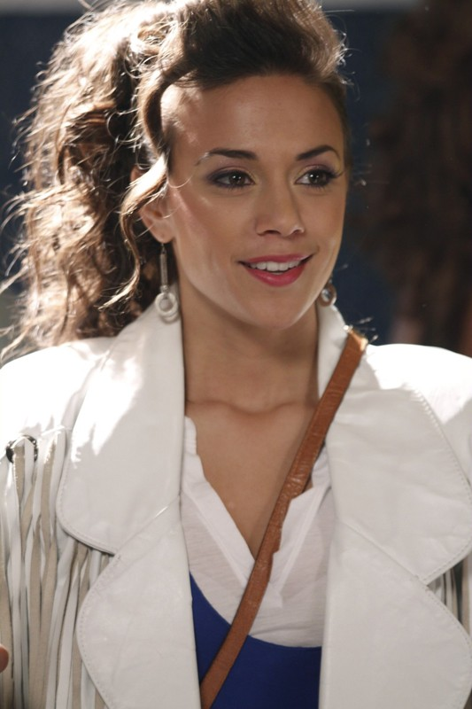 Alex (Jana Kramer) nell'episodio Don't You Forget About Me