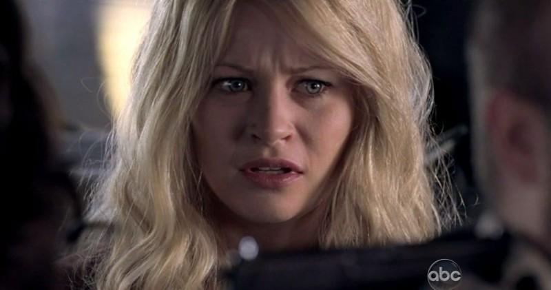 Emilie de Ravin in una scena di LA X: Part 2 dalla sesta stagione di Lost