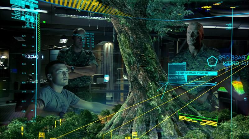 Il Col. Quaritch (Stephen Lang) e Jake Sully (Sam Worthington) osservano la struttura dell'Albero Sacro nel film Avatar