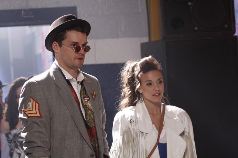 Julian Baker (Austin Nichols) ed Alex (Jana Kramer) alla festa nell'episodio Don't You Forget About Me