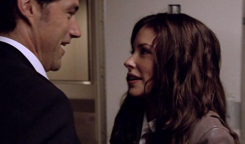 Matthew Fox e Evangeline Lilly in una scena di LAX: Part 1 dalla sesta stagione di Lost