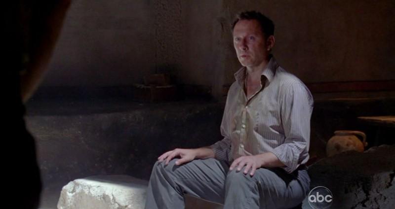 Michael Emerson in una scena di LA X: Part 2 dalla sesta stagione di Lost