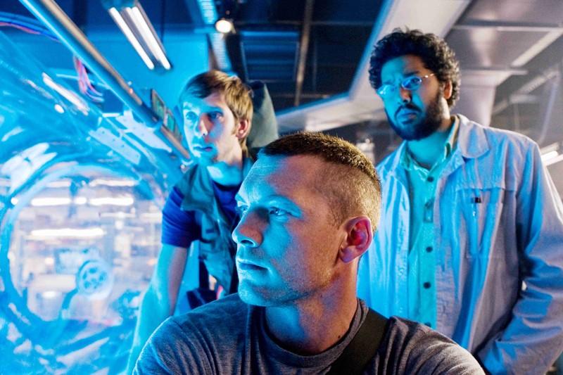 Norm (Joel Moore), Jake (Sam Worthington) e il Dott. Patel (Dileep Rao) nel film Avatar