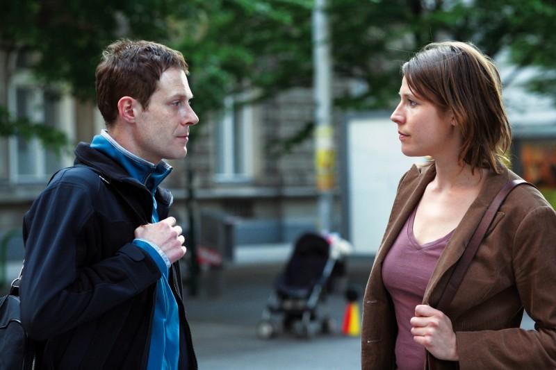 Andreas Lust e Franziska Weisz nel film The Robber